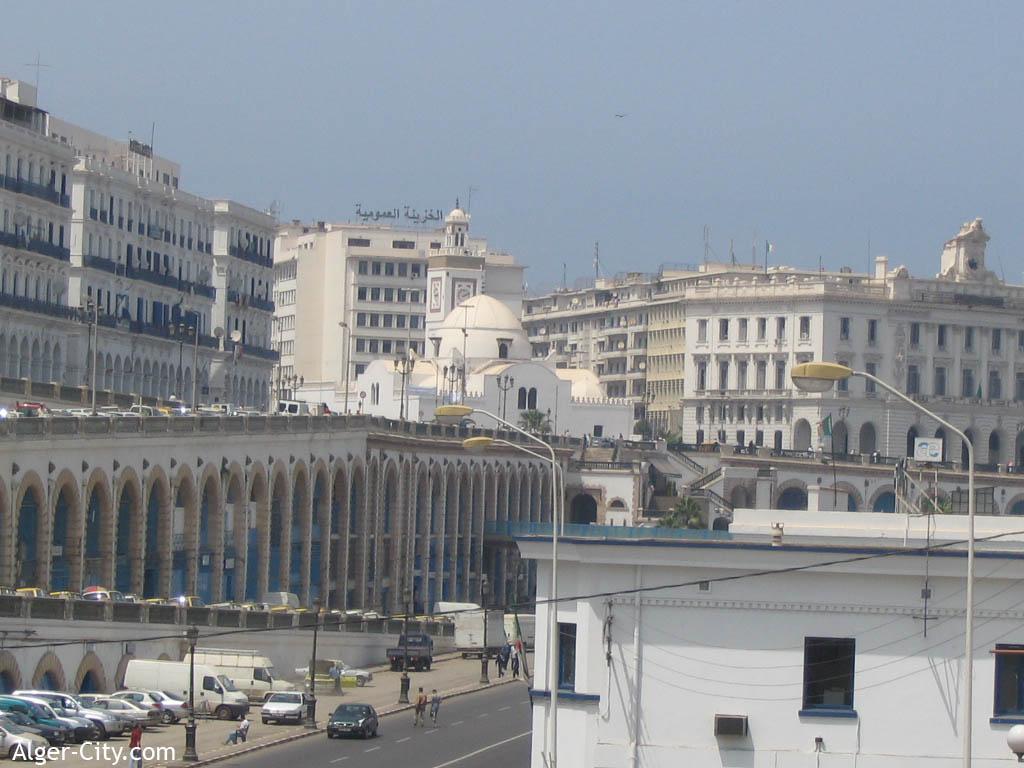 Alger la blanche ville dhistoire ouverte sur une des plus for Aquafortland alger piscine